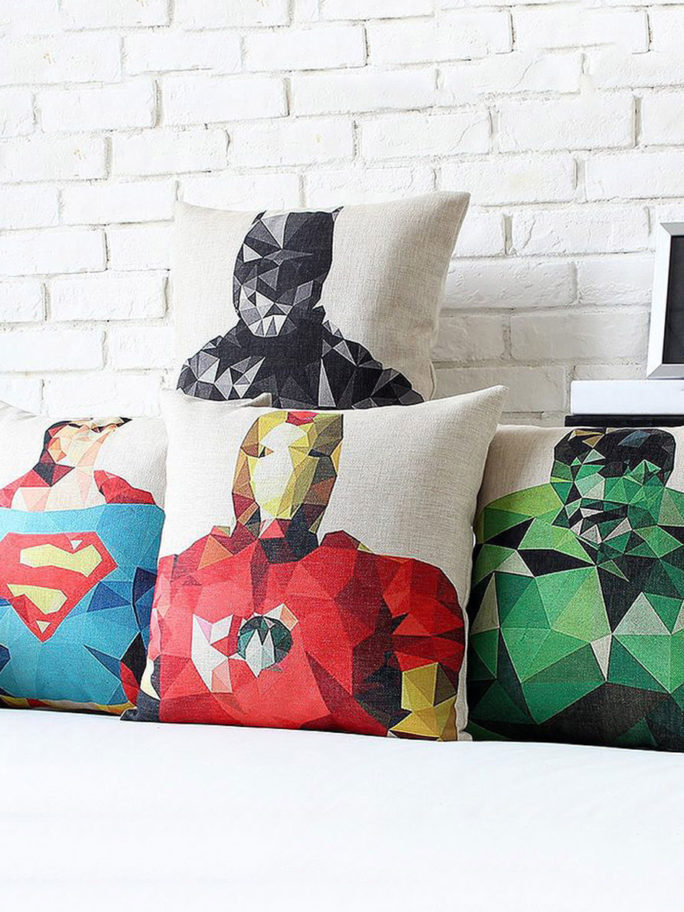 Vamers Store – House and Leisure – VS-HAH-PHC – Polygon Hero Pillow Case – Variations 02