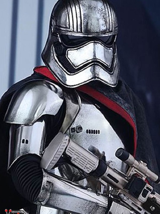 Vamers Store - Hot Toys - MMS328 - Disney's Star Wars Episode VII The Force Awakens - Captain Phasma - 00