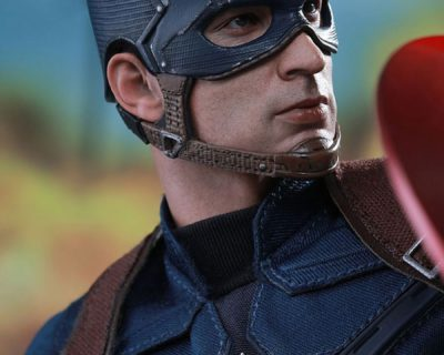 Hot Toys Captain America Collectible from Captain America: Civil War