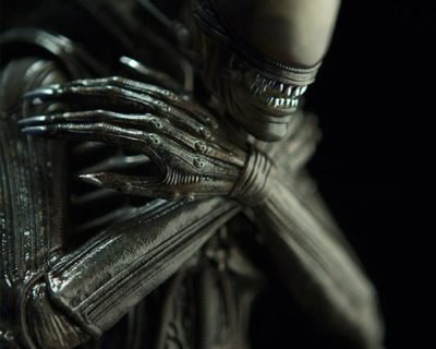 Alien Internecivus Raptus Premium Format Figure by Sideshow Collectibles