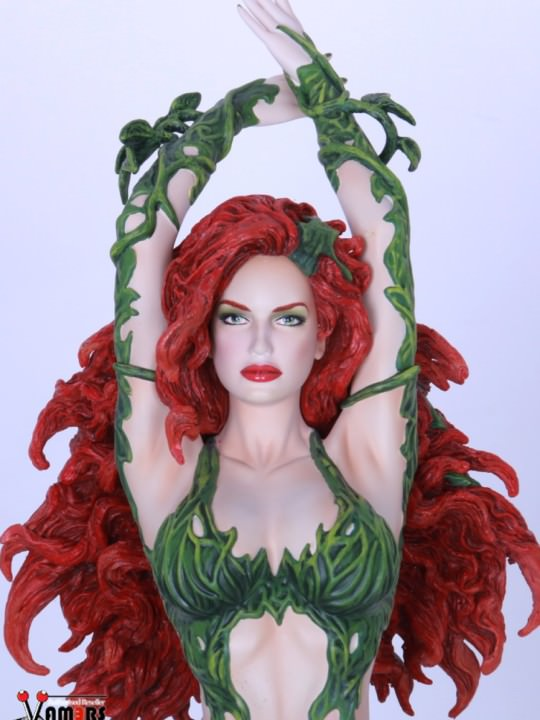 Vamers Store – Sideshow Collectibles – VS-SSC-YFF-POI – Poison Ivy Statue by Yamato USA – 01