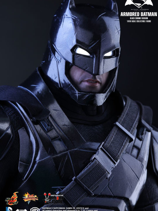Vamers Store - Hot Toys - MMS356 - Batman v Superman DOJ - Armoured Batman (Black Chrome Version) - 09