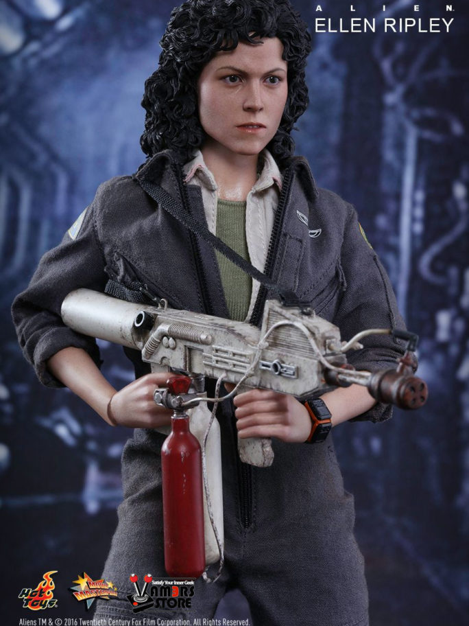 Vamers Store – Hot Toys – MMS366 – Alien – Ellen Ripley Sixth Scale Collectible Figure based on Sigourney Weaver – 10