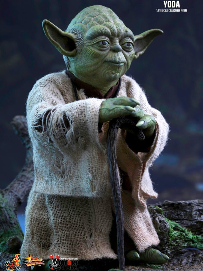 Vamers Store – Hot Toys – MMS369 – Disney's Star Wars Episode V The Empire Strikes Back – Yoda Sixth Scale Collectible Figure – 02