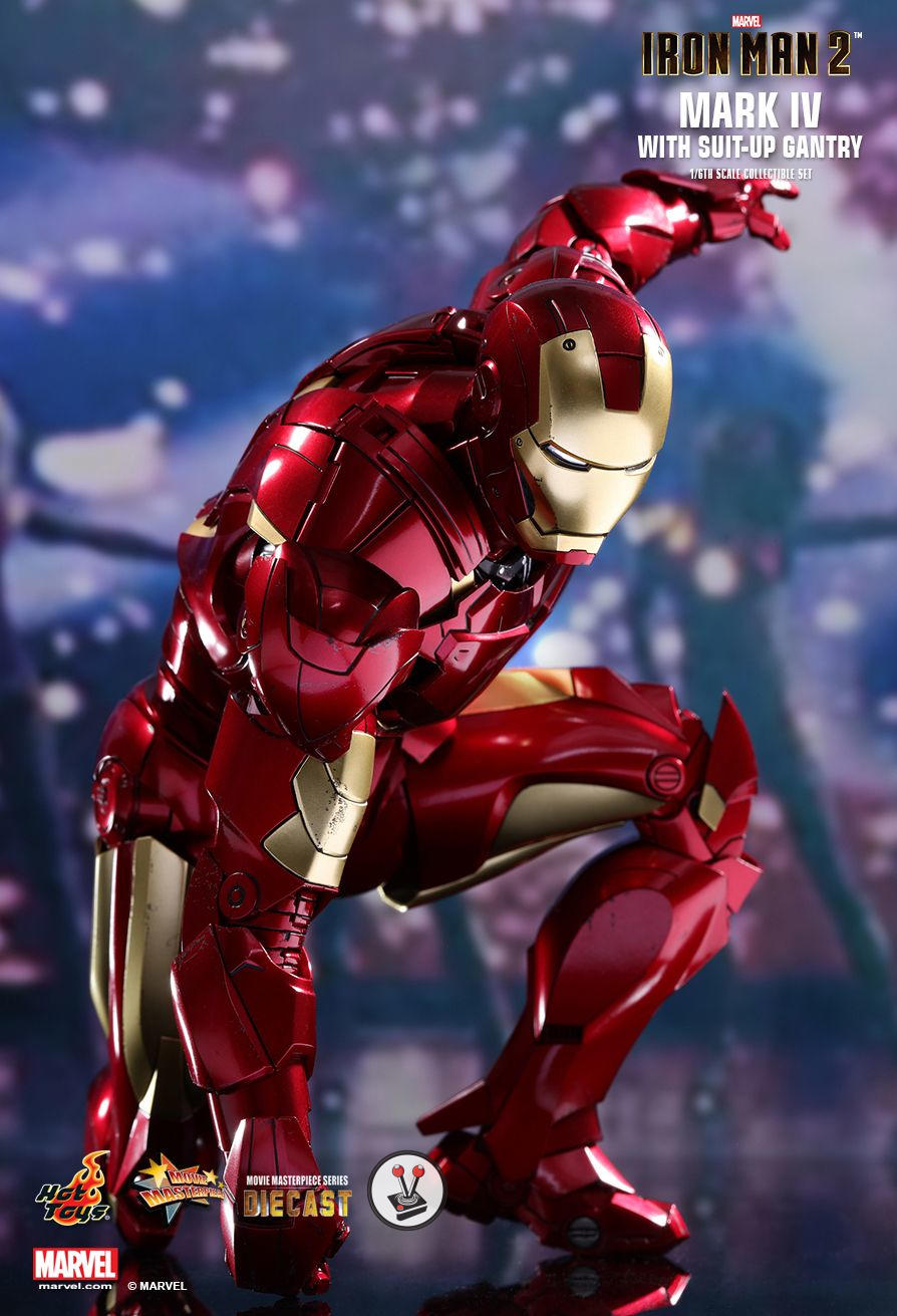 Iron Man 2: Hot Toys Diecast Mark IV With Suit-Up Gantry (MMS462D22