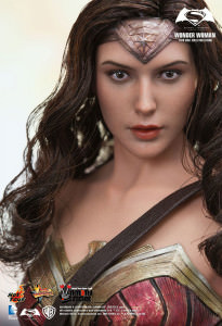 Hot Toys Wonder Woman from Batman v Superman: Dawn of Justice